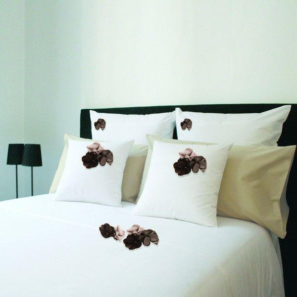 Housse de couette percale botanique blanc fleurs marron - Housse de couette marron ...