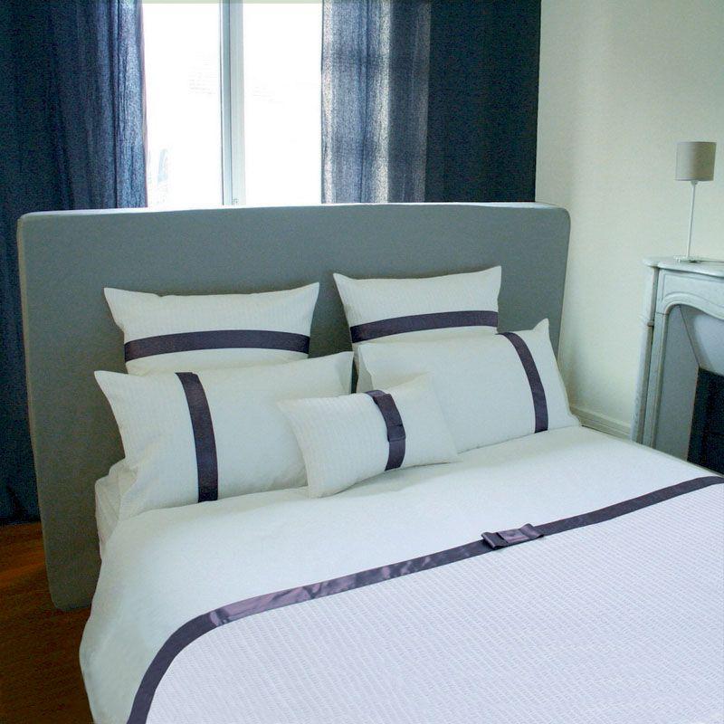 taie d 39 oreiller judy g blanc ruban prune gris percale 50x75 linge de maison. Black Bedroom Furniture Sets. Home Design Ideas