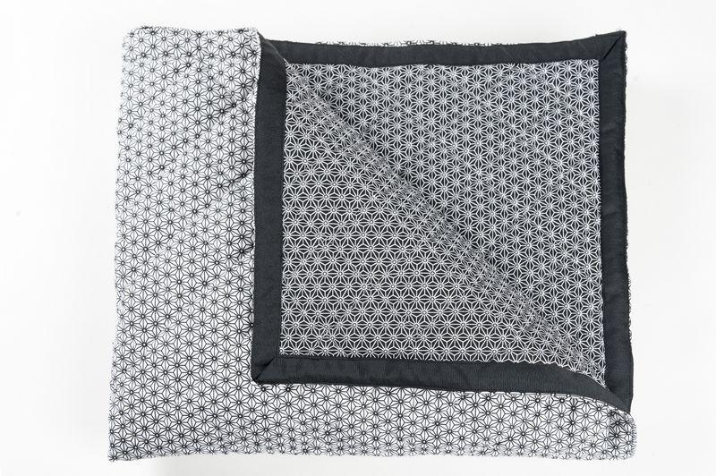 bout de lit matelass vaska noir 70x200 linge de maison. Black Bedroom Furniture Sets. Home Design Ideas