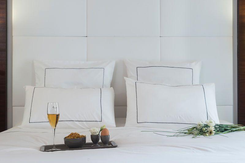 Housse de couette percale blanc croquet gris 140x200 for Housse de couette 140x200 blanc