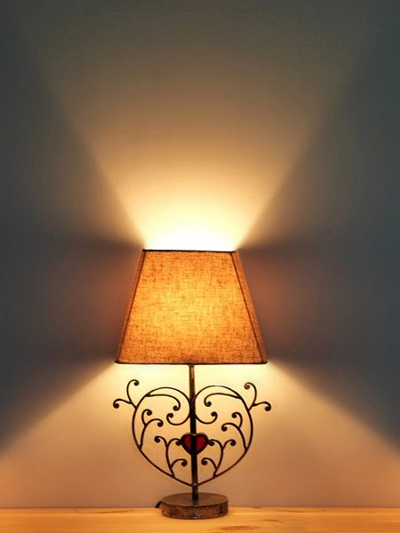 lampe de chevet coeur rouge luminaires. Black Bedroom Furniture Sets. Home Design Ideas