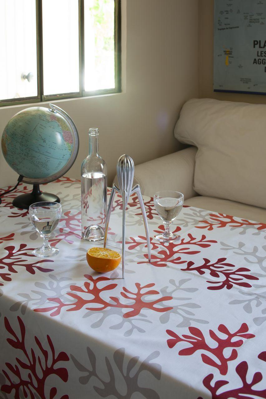 nappe coton enduit corail rouge 120x120 fleur de soleil. Black Bedroom Furniture Sets. Home Design Ideas
