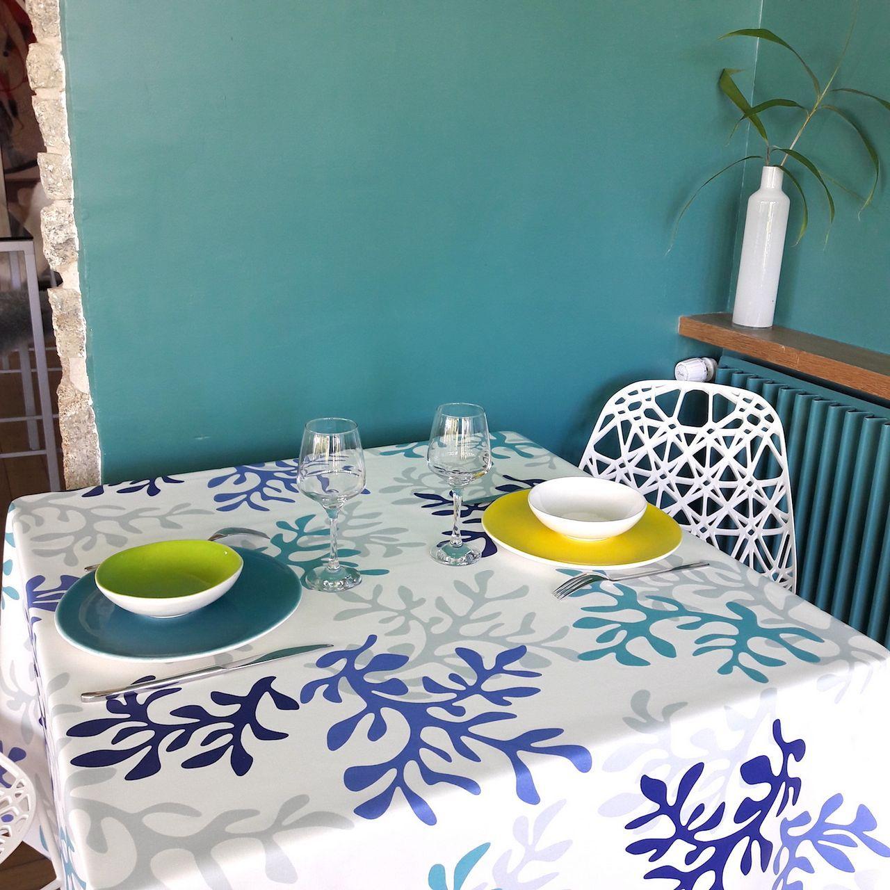 nappe enduite corail bleu ronde 160 fleur de soleil. Black Bedroom Furniture Sets. Home Design Ideas