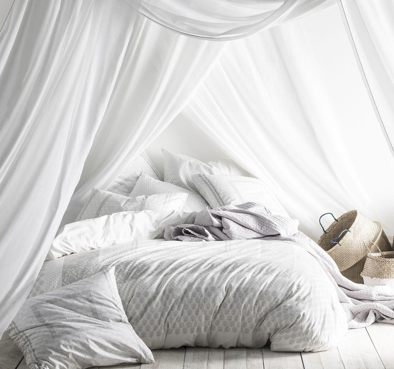 taie d 39 oreiller l gende motifs gris blancs percale de coton 50x75. Black Bedroom Furniture Sets. Home Design Ideas