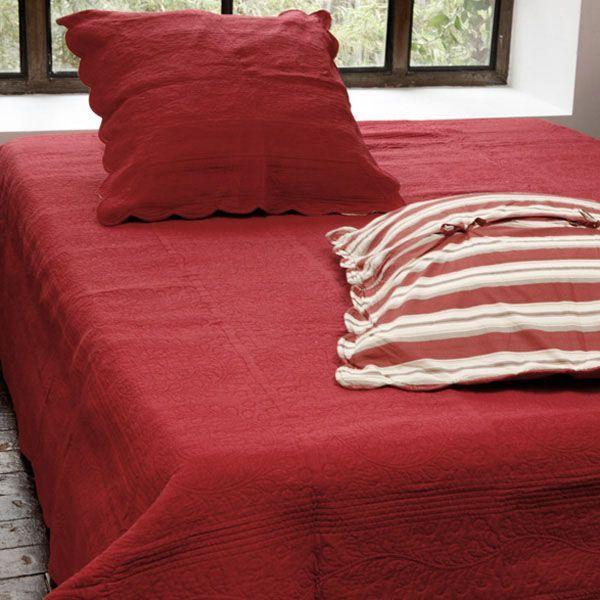 parure de lit boutis josie rouge 230x250 linge de maison. Black Bedroom Furniture Sets. Home Design Ideas