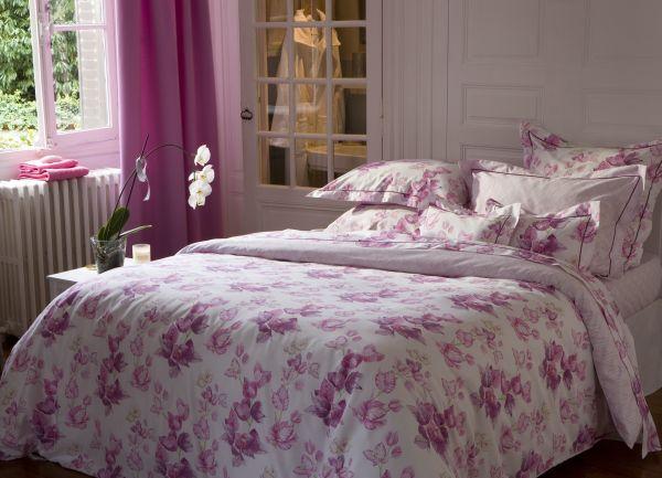 taie d 39 oreiller satin de coton bougainvilliers 64x64. Black Bedroom Furniture Sets. Home Design Ideas