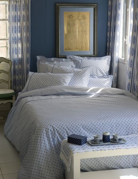 taie d 39 oreiller fleur des champs bleu percale 50x75 linge de maison. Black Bedroom Furniture Sets. Home Design Ideas