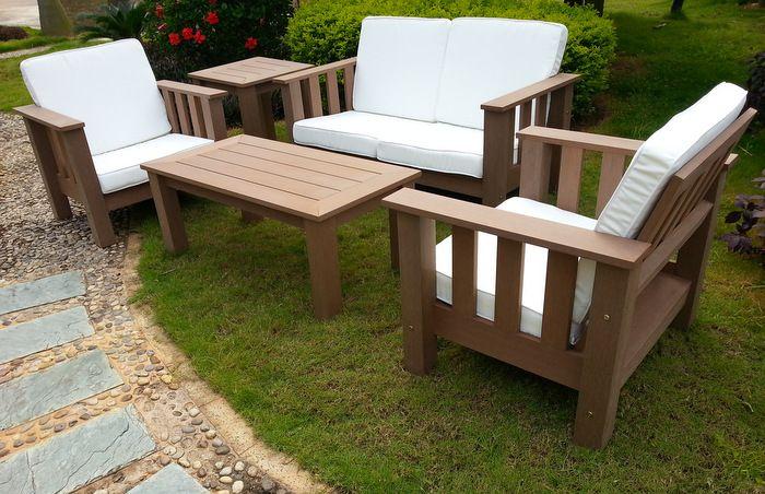Fauteuil de jardin Brown Sofa résine aspect bois foncé coussins blanc