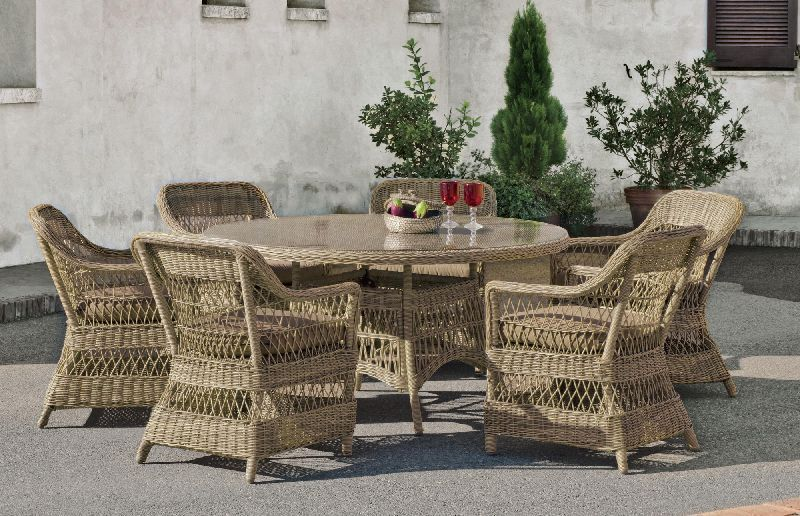 Salon de jardin table h v a cisne r sine tress e beige naturel 6 places meubles de jardin for Table ronde en resine tressee