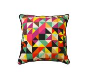 Coussin carré motifs triangles multicolores - So Skin