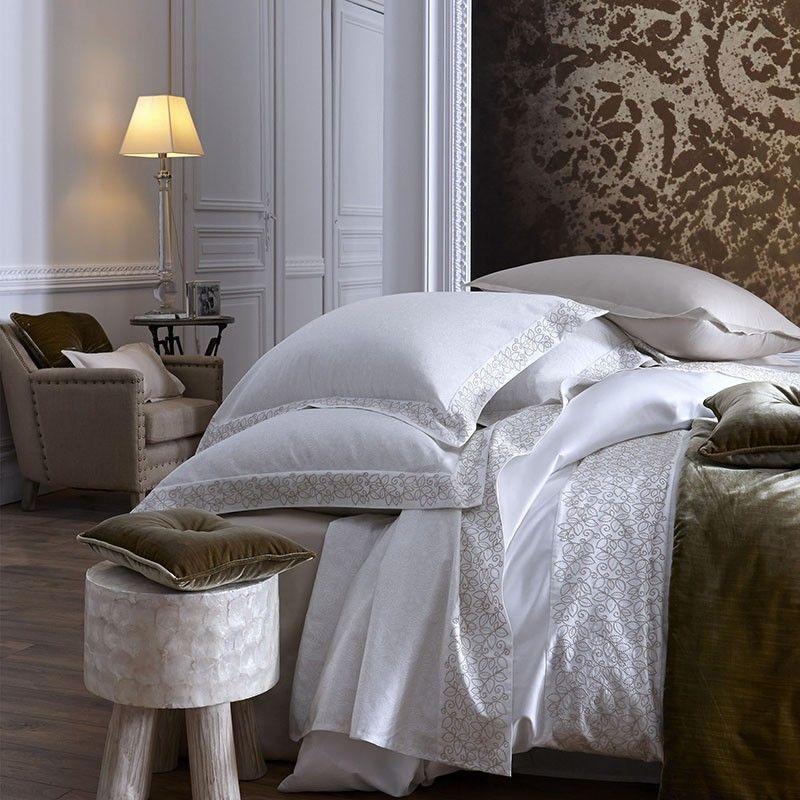 housse de couette palais royal satin 260x240 linge de maison. Black Bedroom Furniture Sets. Home Design Ideas