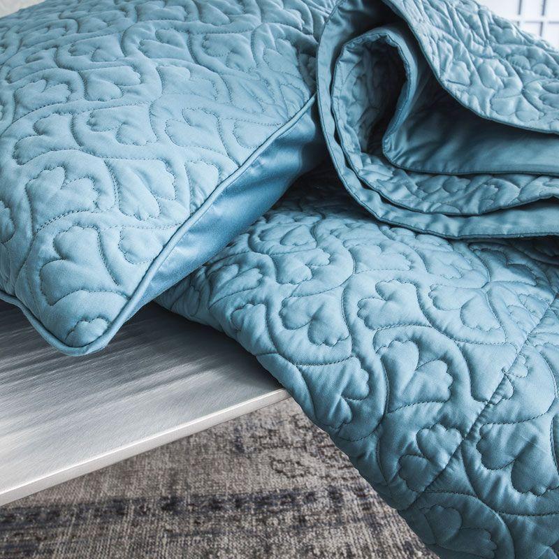 taie d 39 oreiller matelass e satin de coton paradis jade 50x70. Black Bedroom Furniture Sets. Home Design Ideas