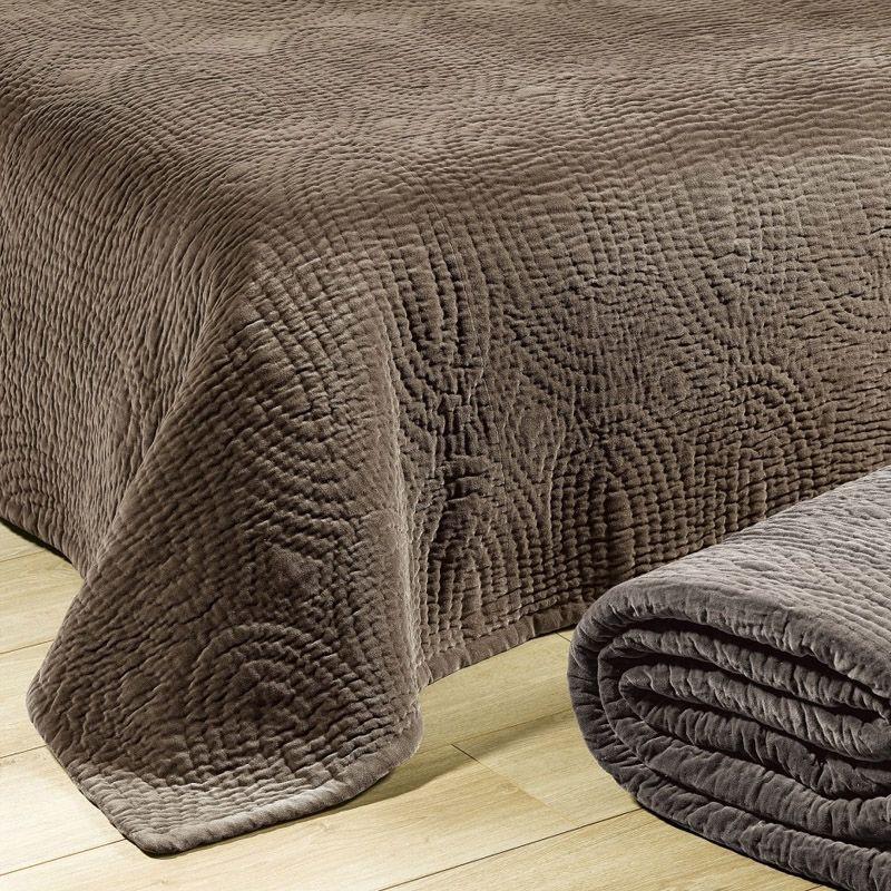 chemin de lit boutis nara taupe 60x150 linge de maison. Black Bedroom Furniture Sets. Home Design Ideas