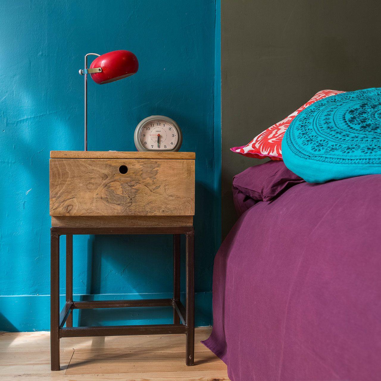 table de chevet m tal noir et bois de manguier double z ro. Black Bedroom Furniture Sets. Home Design Ideas