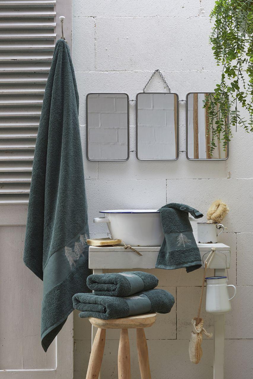 drap de douche ponge erdely vert lichen broderies sapins coton 70x140. Black Bedroom Furniture Sets. Home Design Ideas