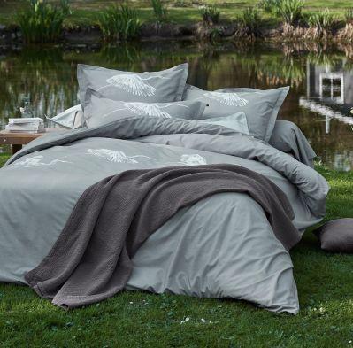 drap housse au bord du lac motifs gouttelettes gris. Black Bedroom Furniture Sets. Home Design Ideas
