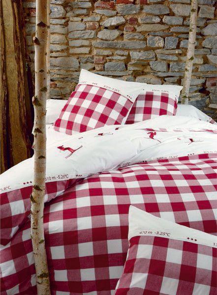 housse de couette grand saut rouge brod 140x200 sylvie. Black Bedroom Furniture Sets. Home Design Ideas