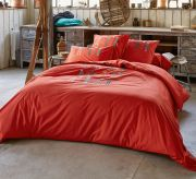 Housse de couette Lunch time broderies skis rouge percale 200x200 - Sylvie Thiriez