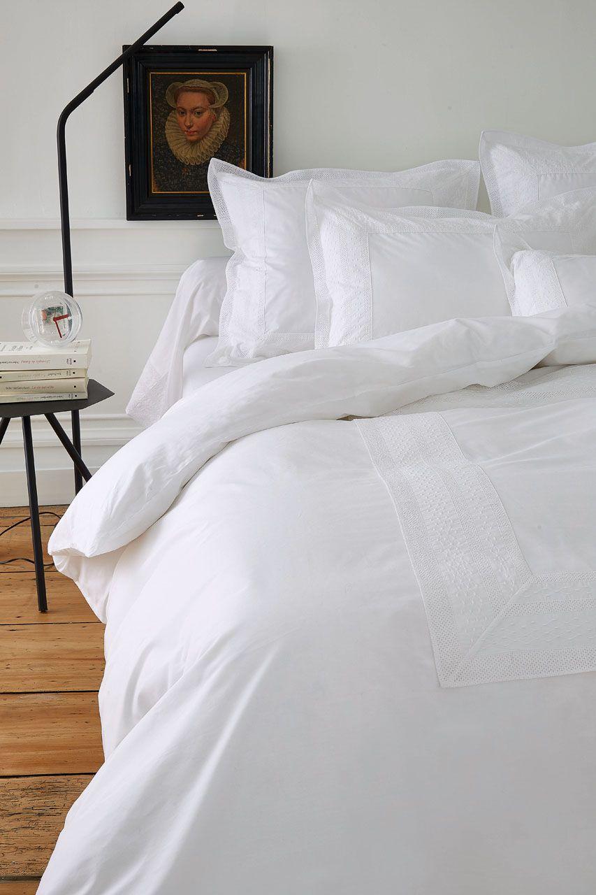 housse de couette brod e anecdotes blanc percale 260x240. Black Bedroom Furniture Sets. Home Design Ideas