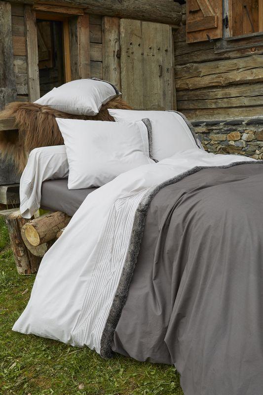 parure de lit percale inuit 135x200 taie sylvie thiriez. Black Bedroom Furniture Sets. Home Design Ideas
