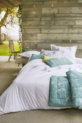taie d 39 oreiller a ciel ouvert percale blanc broderies hirondelles 50x80 linge de maison. Black Bedroom Furniture Sets. Home Design Ideas