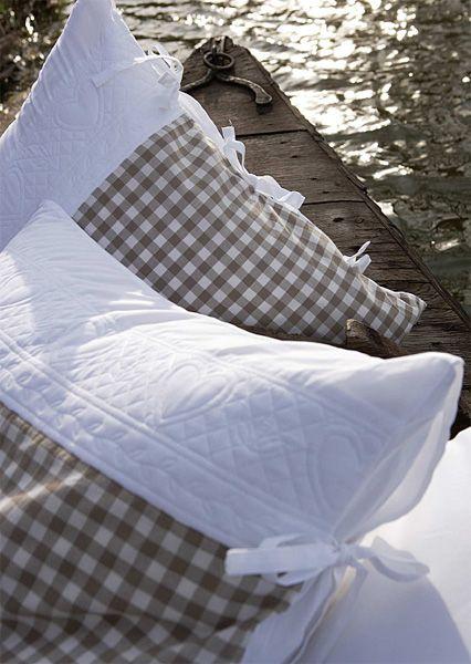 taie d 39 oreiller amourette 50x70 linge de maison. Black Bedroom Furniture Sets. Home Design Ideas