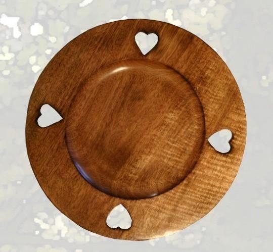 assiette de pr sentation bois 4 coeurs les sculpteurs du lac. Black Bedroom Furniture Sets. Home Design Ideas