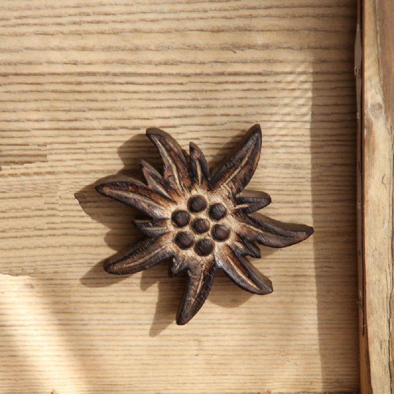 Bouton de porte bois brulé Edelweiss 8×8 Les Sculpteurs du lac # Bouton De Porte Bois