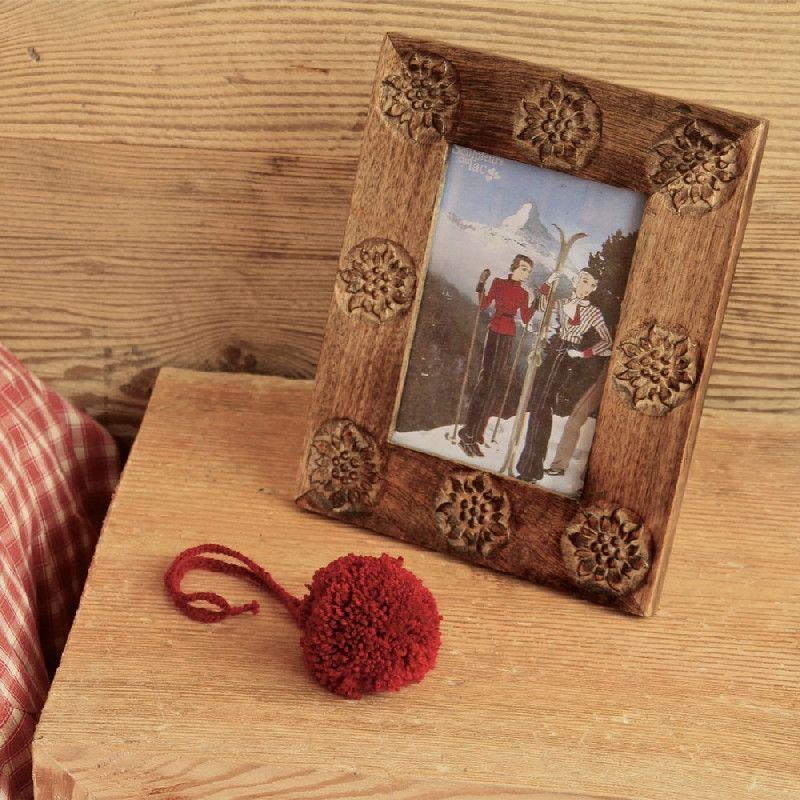 cadre bois edelweiss sculpt es les sculpteurs du lac. Black Bedroom Furniture Sets. Home Design Ideas