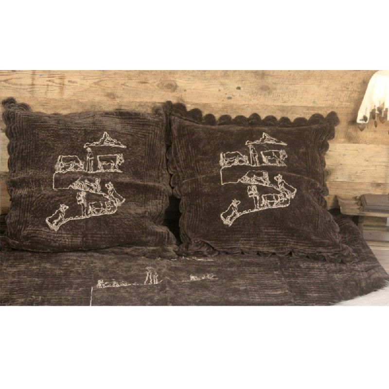 jet de lit boutis chocolat broderie poya les sculpteurs du lac. Black Bedroom Furniture Sets. Home Design Ideas
