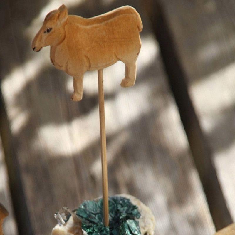pic fromage bois sculpt mouton les sculpteurs du lac. Black Bedroom Furniture Sets. Home Design Ideas