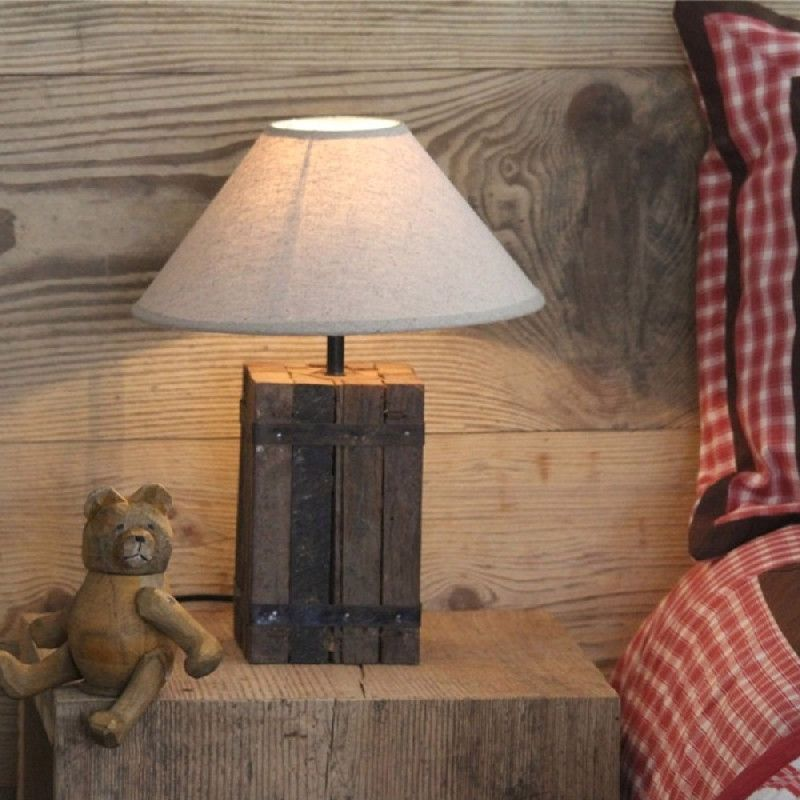 pied de lampe carr bois reconstitu chalet luminaires. Black Bedroom Furniture Sets. Home Design Ideas