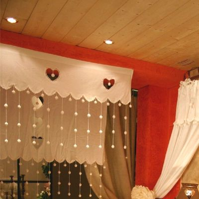 rideau brise bise pompons coton blanc pm les sculpteurs du lac. Black Bedroom Furniture Sets. Home Design Ideas