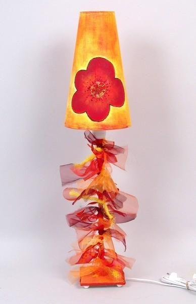 lampe pied en fer forg fleur rouge - Lampe Sur Pied Fleur