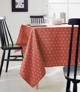 Nappe Paco Cerise polyester motifs triangles rouges ovale 180x240 - Tradilinge