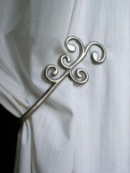 embrasse aimant e aluminium coud e barok argent d coration. Black Bedroom Furniture Sets. Home Design Ideas