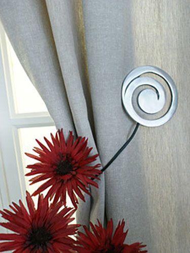 embrasse de rideau aimant e kalea argent d coration. Black Bedroom Furniture Sets. Home Design Ideas
