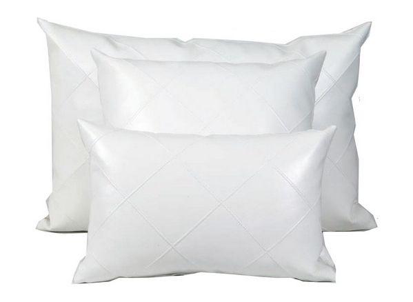 Coussin Imaginaire simili cuir blanc 45x45   Décoration   decotaime.fr